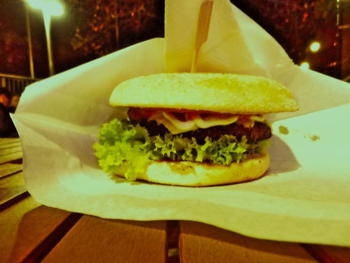 ストリートフードマーケット-ハンバーガー