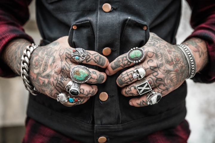 hands-tattoo