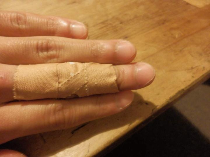 指-テーピング