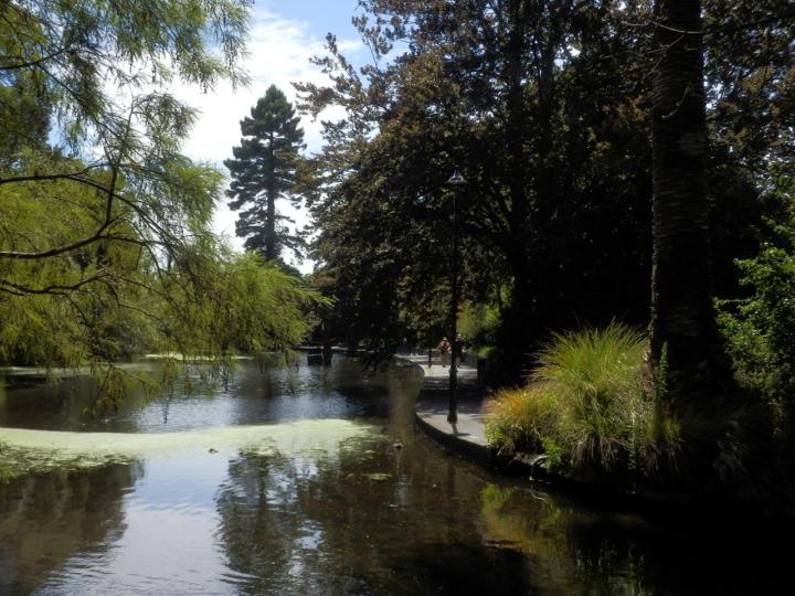 ヴィクトリア・ガーデン-池