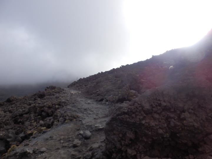 トンガリロ-山-上り2