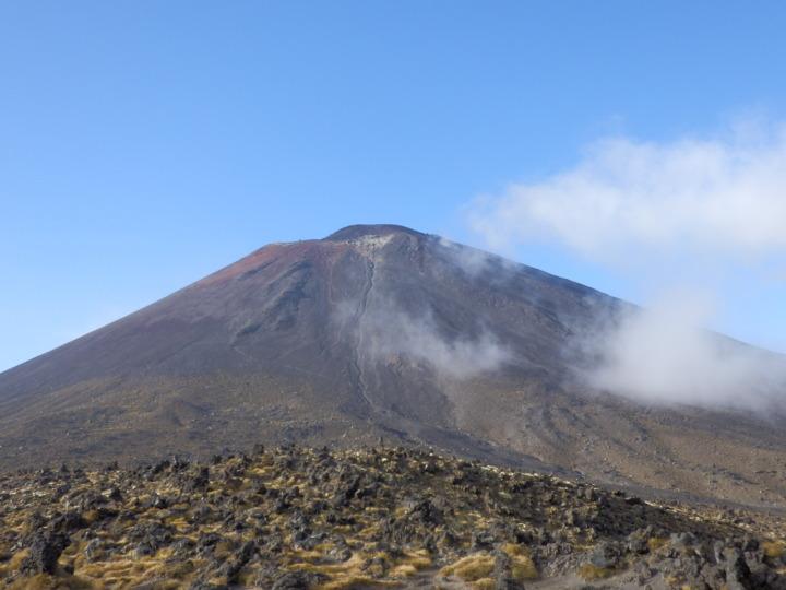 トンガリロ山-ナウルホエ山